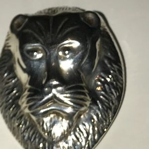 Sterling Silver Lion head pendant.